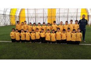 Minik futbolcular kaplıca kampında
