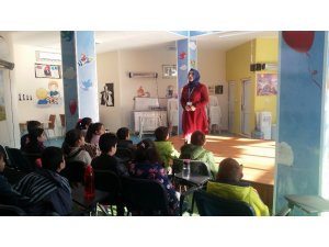İzmit'te çocuklar haklarını öğrenmeye devam ediyor