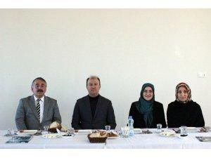 Başkan Karakullukçu AK Parti Kadın Kolları ile bir araya geldi