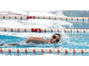 Mersinli yüzücü Miray Türkiye Şampiyonası'ndan derecelerle döndü