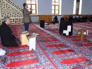 Hisarcık'ta umreye gideceklere seminer verildi