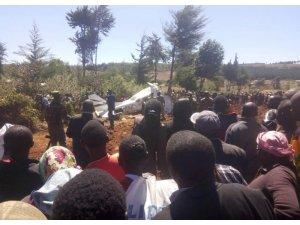 Kenya'da uçak düştü: 5 ölü