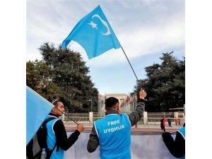 Avustralya hükümeti Çin'de alıkonulan 17 Uygur Türkü için sessiz kalıyor