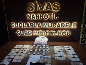 Sivas'ta sokak satıcılarına operasyon: 2 tutuklama