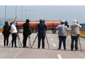 Venezuela'da Juan Guaido'dan insani yardım sözü