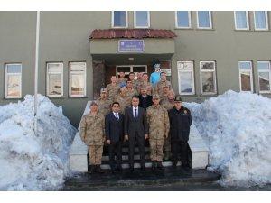 Vali Çağatay'dan Mehmetçik'e moral ziyareti