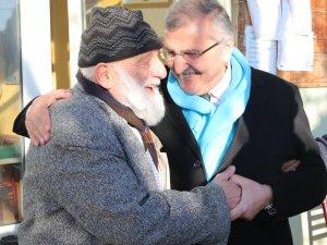 Beykoz Belediye Başkan Adayı Murat Aydın, Beykoz'un köylerinde vatandaşları ziyaret etti