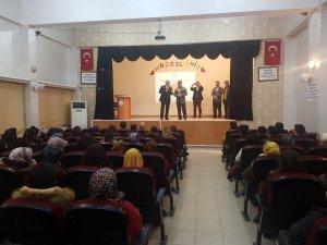 Aslan, Bismil'de aday öğretmen seminerine katıldı