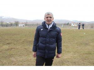 Elazığspor'un yeni hocası Erhan Altın ilk idmanına çıktı
