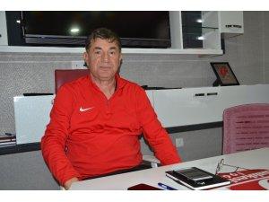 """Giray Bulak: """"Bütün arzumuz Ümraniyespor maçını kazanmak"""""""