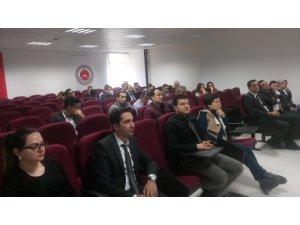 Mersin'de 'kadına yönelik şiddetle mücadele' semineri