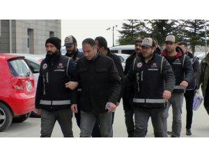 Yozgat'ta FETÖ'den gözaltına alınan 9 kişi adliyeye sevk edildi