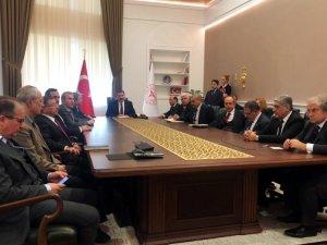 Bakan Koca ilaç sektörü temsilcileri ile bir araya geldi