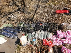 Şırnak'ta, teröristlerin kullandığı 3 sığınak imha edildi