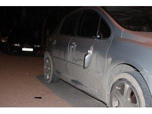 Karaman'da park halindeki araçlara zarar verdiler