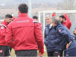 Elazığspor Teknik Direktörü Altın'dan destek çağrısı