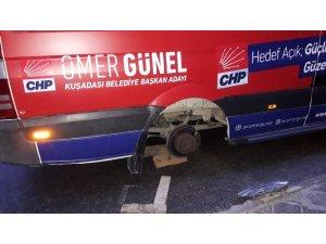 Kuşadası CHP'den Ömer Günel'in seçim aracına yapılan saldırıya kınama