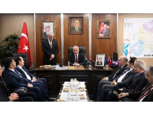 Bakan Turhan Bayburt'ta temaslarda bulundu