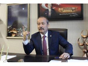 Babasını öldürdüğünü itiraf eden kıza MHP Milletvekili Taytak'tan destek
