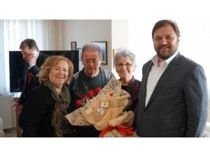AK Partili Yazıcı'dan 56 yıllık evli çifte ziyaret
