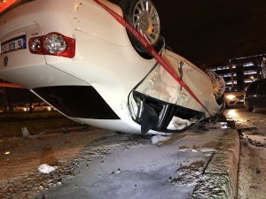 Takla atan araç diğer araca çarparak durabildi: 4 yaralı