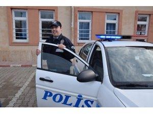 Hayali gerçekleşti, bir günlüğüne trafik polisi oldu