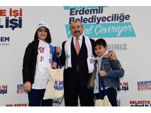 Ataşehir'de 100 proje için 100 genç pedal çevirdi