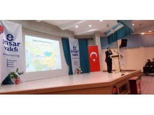 Edremit'te 'Doğu Türkistan' unutulmadı