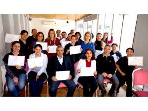 Sarıgöl'de işaret dili öğrenen sağlık çalışanlarına sertifika