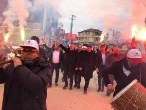 MHP'li Başkan adayı Bıyık başkan gibi karşılandı