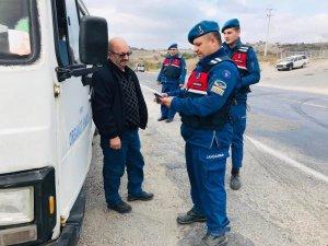 Jandarma aranan 5 kişiyi yakaladı