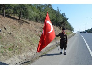 52 yaşında İstanbul'dan Çanakkale'ye yürüyor