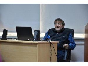 Usta Gazeteci Coşkun Aral Trabzon'da iletişim fakültesi öğrencileri ile buluştu