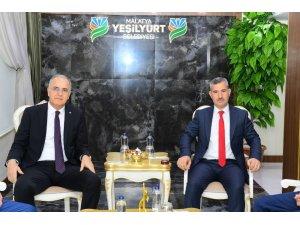 Başkan Çınar, Voleybol Federasyonu Başkanı Üstündağ'ı ağırladı