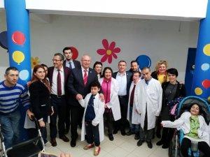 Başkan adayı Dr. Ateş, Tıp Bayramında meslektaşlarını yalnız bırakmadı