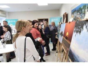 Türk gazetecilerin fotoğrafları Moskova'da sanatseverlerle buluştu