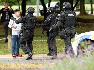 Yeni Zelanda medyası 2. bir caminin silahlı saldırıya uğradığını bildirdi