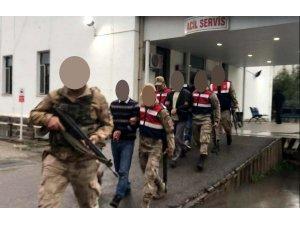 Çocukları para karşılığı terör kamplarına götürüyorlardı, yakalandılar