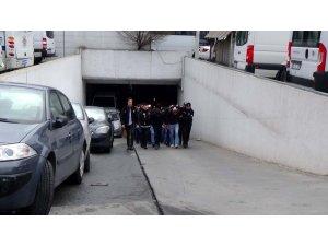 Beykoz'da yakalanan uyuşturucu zanlıları adliyeye sevk edildi
