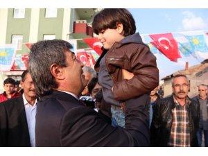 İyi Parti Kayseri Büyükşehir Belediye Başkan Adayı Dursun Ataş, çalışmalarını sürdürüyor