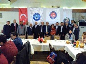 Türk Sağlık-Sen'den yemekli kutlama