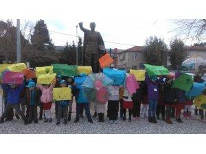 TED İzmir Koleji, iklim için küresel okul grevine destek oldu