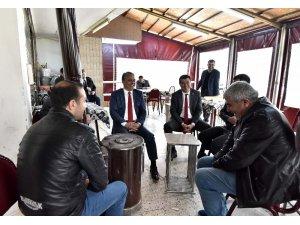 Başkan Uysal, kahvehaneleri ziyaret etti
