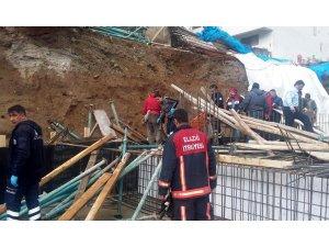 Kalıp demirlerinin altında kalan işçi yaralandı