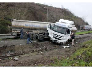 Tanker kazası ucuz atlatıldı