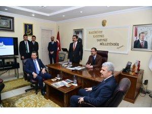 """Gençlik ve Spor Bakanı Kasapoğlu: """"Gazeteler İstanbul'da kuponla maske dağıtırdı"""""""