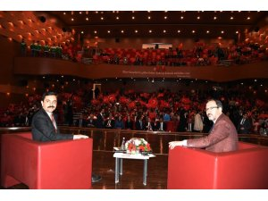 Gençlik ve Spor Bakanı Kasapoğlu, Kırşehir'de gençlerle buluştu