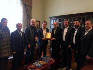 Müezzinoğlu'ndan Başkan Çelik'e ziyaret