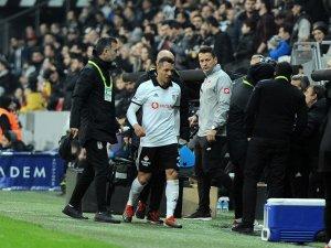 Adriano devam edemedi