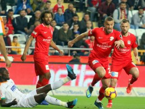 Spor Toto Süper Lig: Antalyaspor: 2 - Aytemiz Alanyaspor: 0 (İlk yarı)